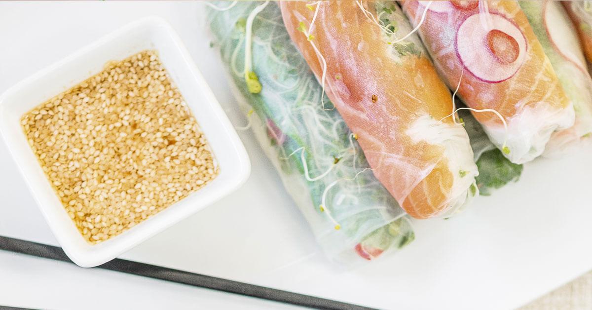 """Silmusalaatti resepti - """"Tuliset"""" vietnamilaiset riisipaperirullat"""