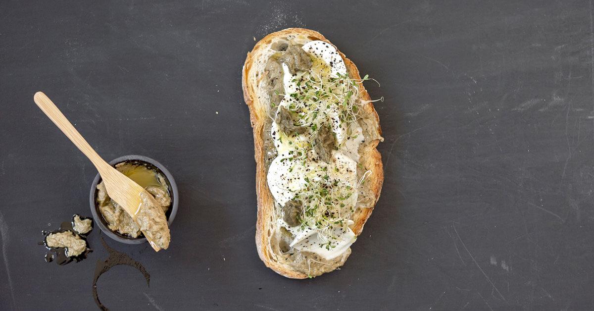 Silmusalaatti resepti - Silmupesto ja mozzarella-crostinit