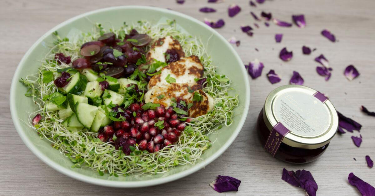 Silmusalaatti resepti - Ruusuinen halloumi-salaatti