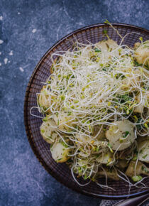 Alfalfa-perunasalaatti