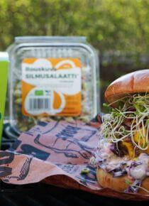 Resepti grillattu burgeri closlaw:lla ja versoilla