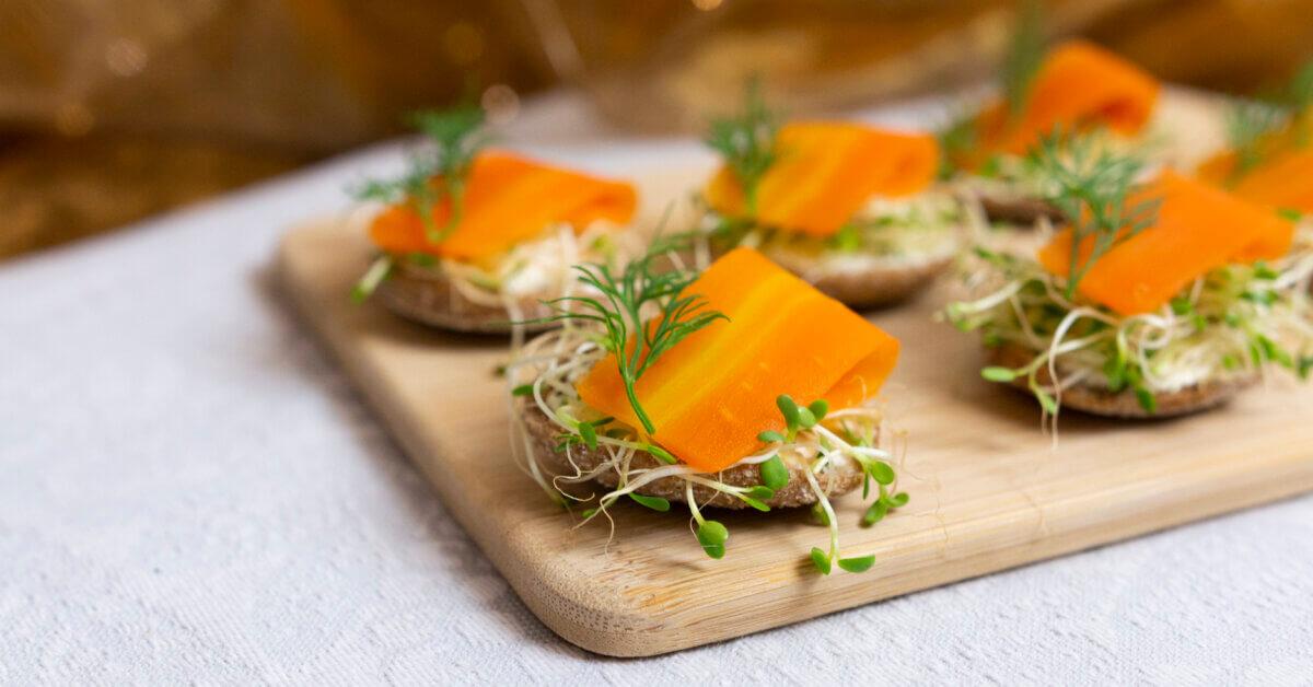 Silmusalaatti resepti - Porkkala-ruisnapit