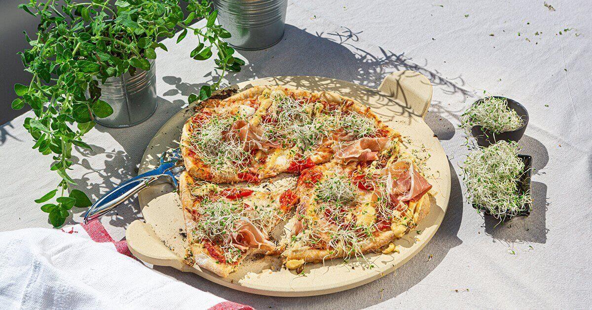 Silmusalaatti resepti - Grillipizza