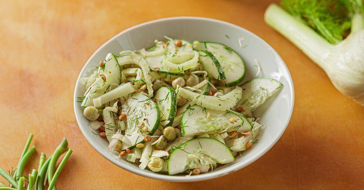 Silmusalaatti resepti - Fenkoli-kurkku -salaatti